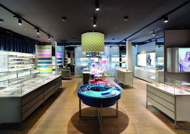 Cadenzza-Concept-Store-by-DFROST-Innsbruck-Austria-03.jpg