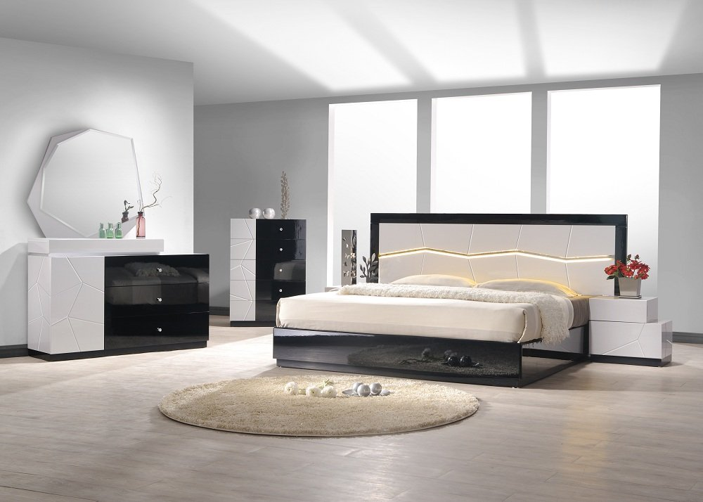 J&M Furniture Turin Black & White Lacquer Queen Size Bedroom Set