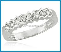 Fashion 14k white gold scalloped design thin band diamond ring
