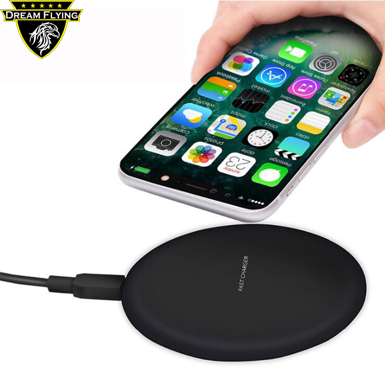 2018 Newest Portable Qi wireless car charger for Mobile Phone Fast Charging Pad Battery