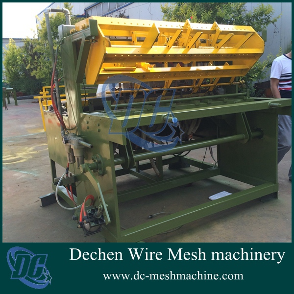 China new product!Electrical synchronous pneumatic breed aquatic mesh welding machine best price