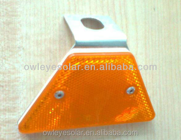 Triangle steel guardrail reflector /hot sale bright highway delineator post
