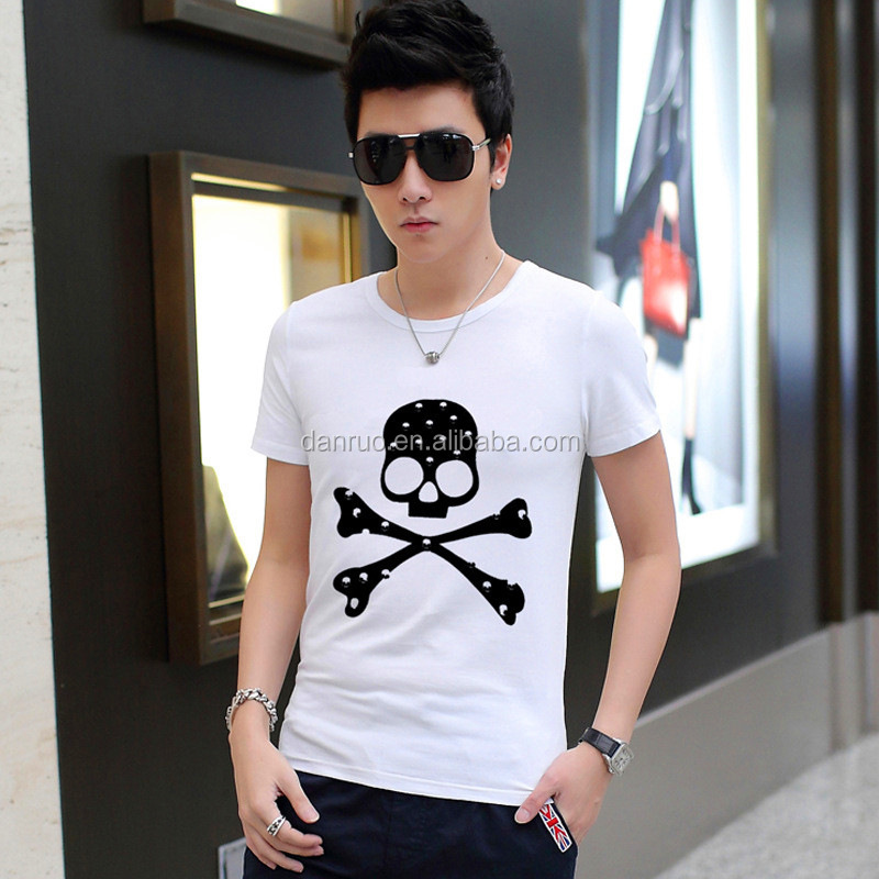The 2017 summer new men's T-shirt Han edition men round collar short sleeve T-shirt lay in men's clothing wholesale trade trend