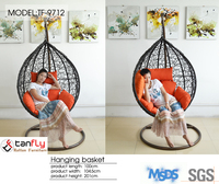 Contemporary and leisure style rattan egg chair replica for living room.