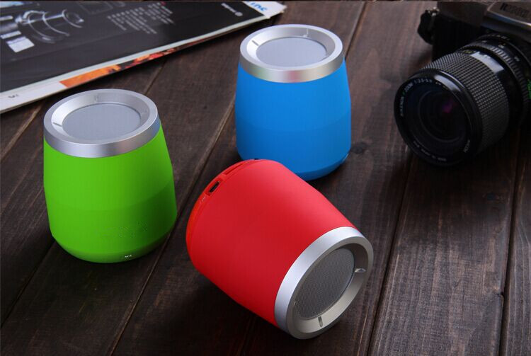New products made in china mini portable bluetooth speaker wireless car speaker with FM radio