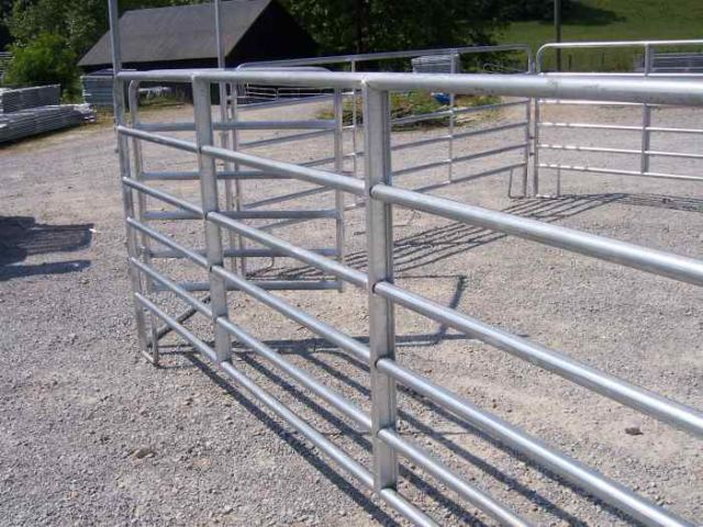 how to build livestock mesh fence canada