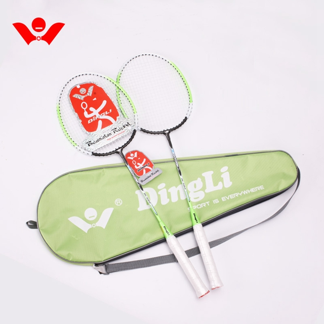 Gratis monster voering badminton racket met hoge intense en super flexibiliteit