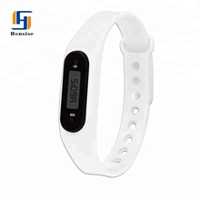 Hot Sell Promotional Sports Silicone Distance Calorie Counter Pedometer Bracelet