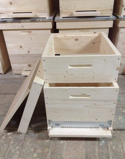Beekeeping tools Solid wooden bee hive or beehive for sale