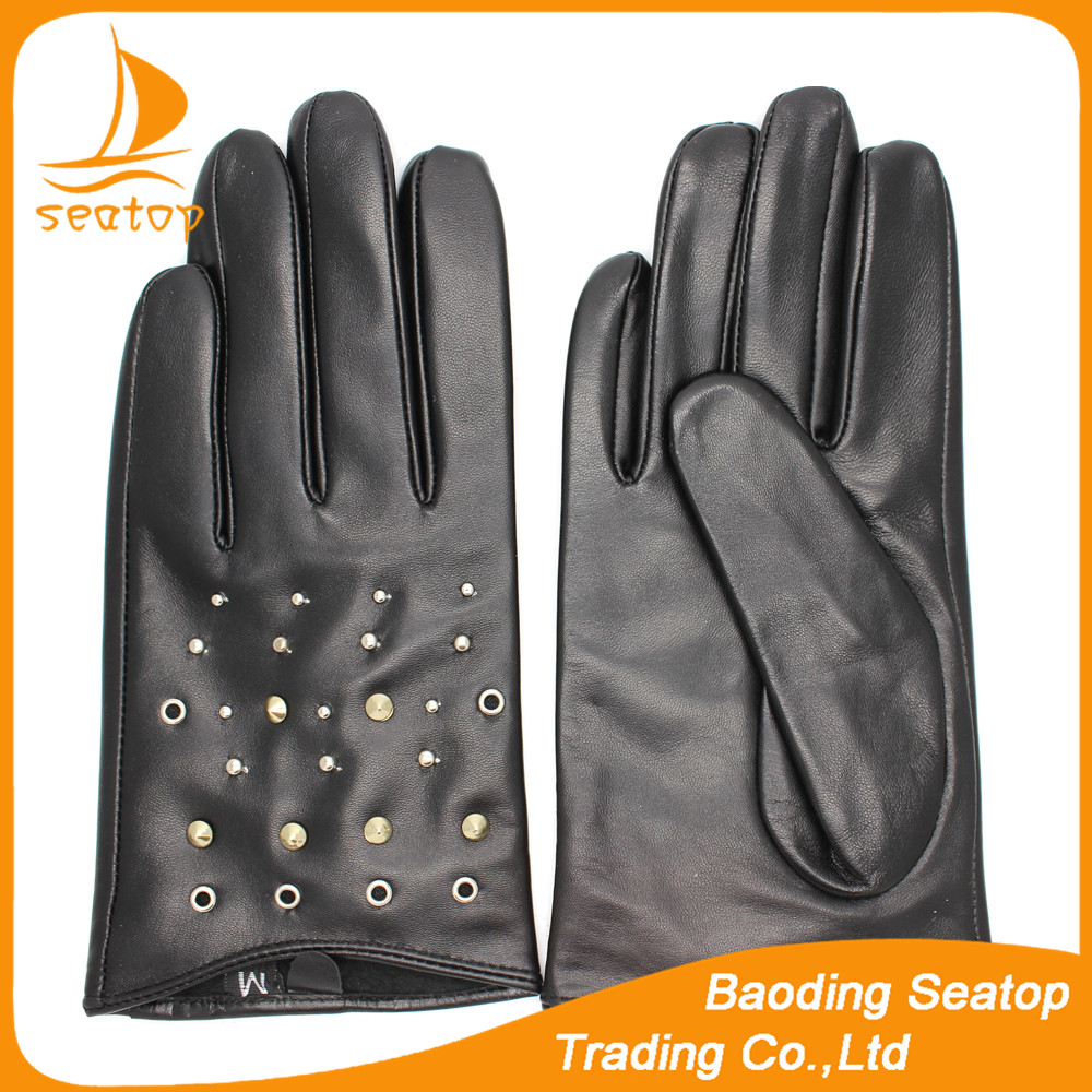 High quality best sales laies and women's black rivet snap and diamond decorate sheepskin leather gloves