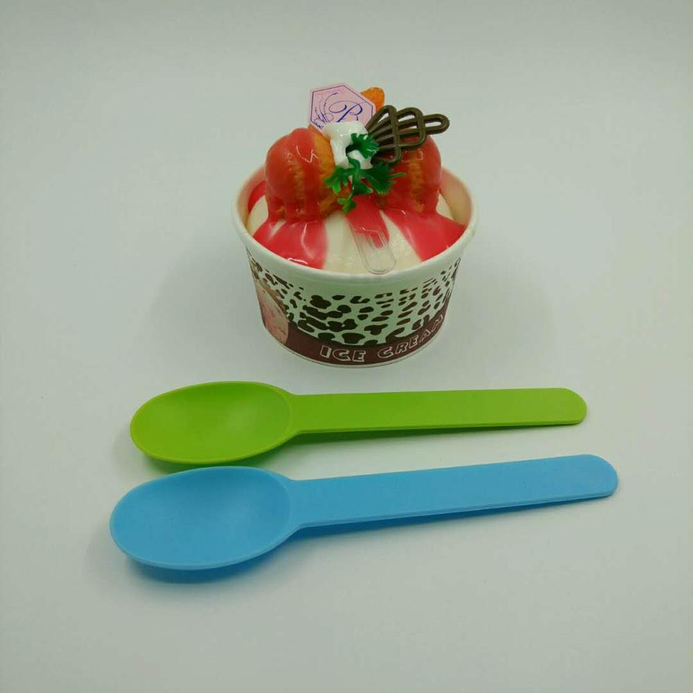 Yogurt ice cream cup with dome lid and yogurt spoon