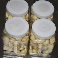Fresh Peeled Garlic Cloves Bottled Peeled Garlic