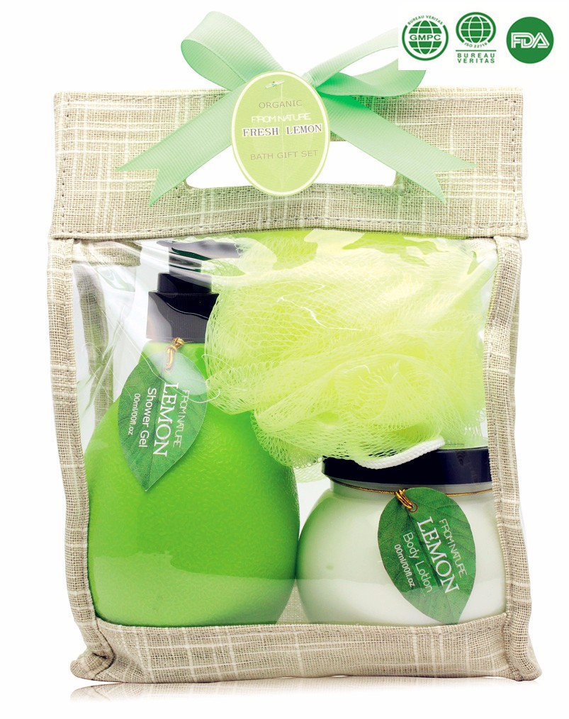 Promotional bath spa gift set with 400ml shower gel bubble bath body lotion with fresh lemon flavor