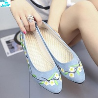 HFS1086 Women Casual Shoes Embroidered Flat Shoes For Women