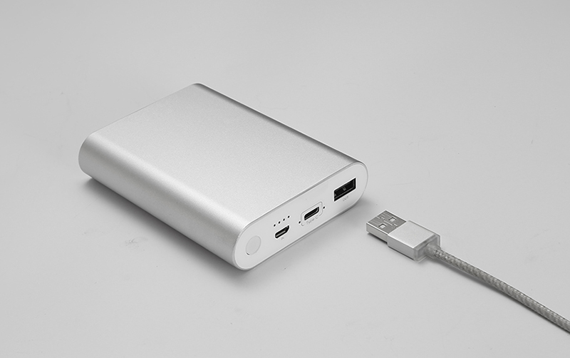 5V2.4A 10000mAhNew Type -C Power Bank with UL Approval Cell -Gold