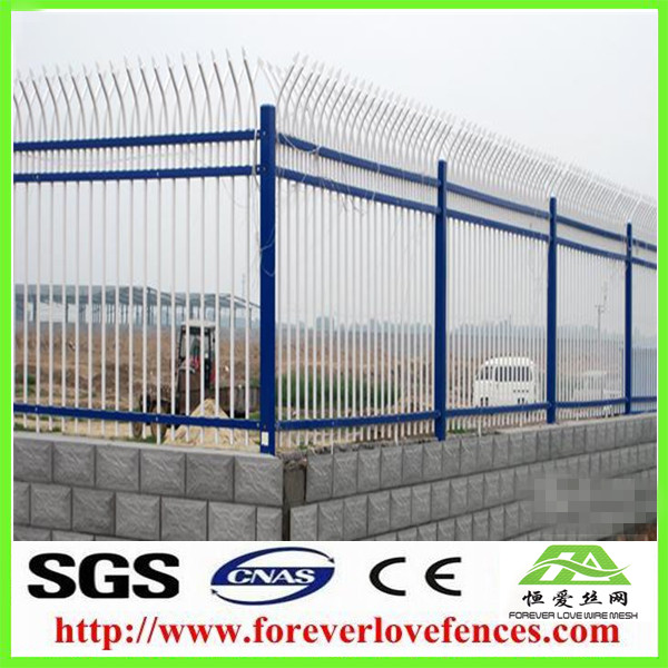 China Iron Fence Pickets American Steel Fence Galvanized/Green Paint Studded T post aluminium fence