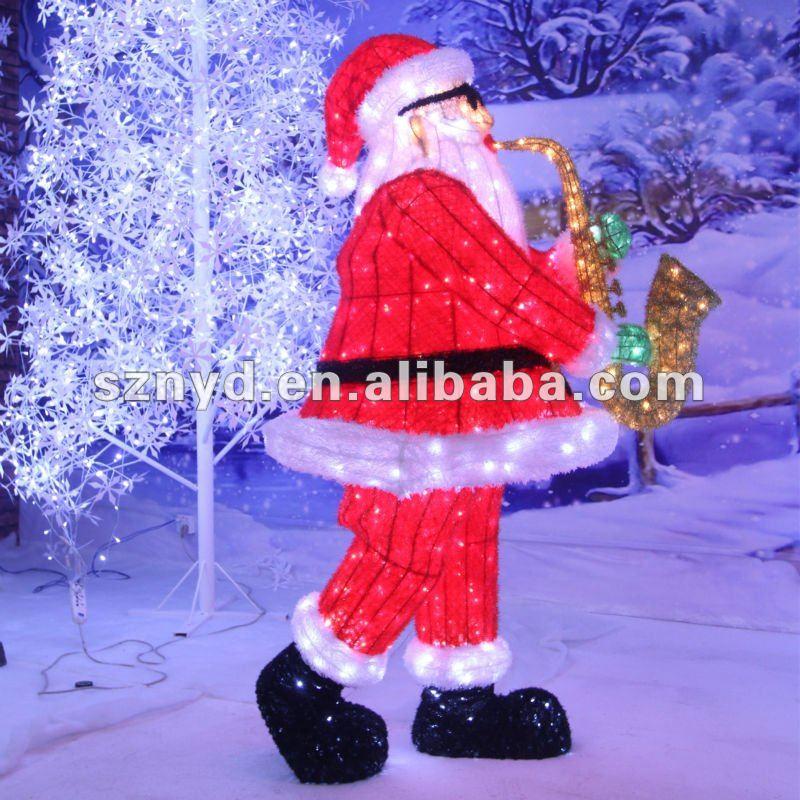 Grande musique de santa claus pour le center commercial for Pere noel decoration exterieur