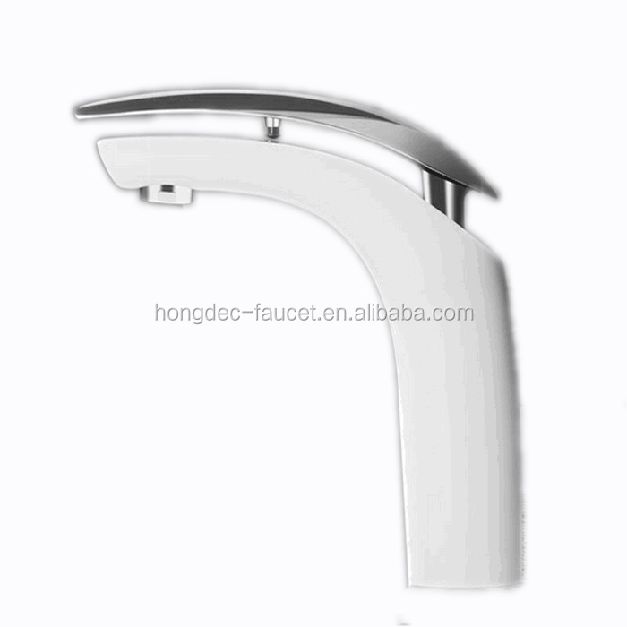 Cheap Lavatory Faucet Solid Brass Bathroom Sink Water Tap
