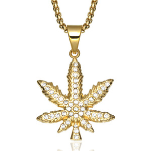 Wholesale New Design Hip Hop Jewelry Stainless Steel Necklace Pendant Gold Plated Rhinestone Micro Pave Maple Leaf Pendants