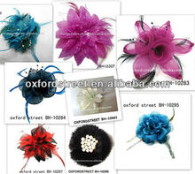 The nearest fashion flower feather brooch