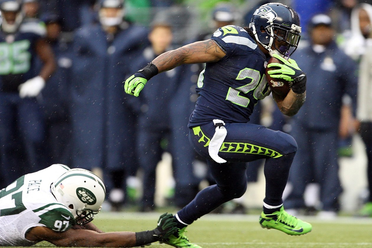Marshawn Lynch Poster 24x36 inches SEATTLE SEAHAWKS High Quality Gloss Print 102