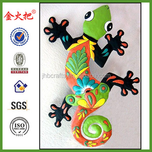 Metal painted Gecko wall decoration