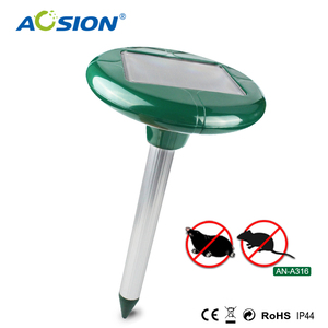 Electronic ultrasonic solar mole and vole rat gopher rodent chaser repels repeller
