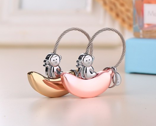 delicacy process metal monkey banana key chains fancy shop gifts cute animal customized freely key rings