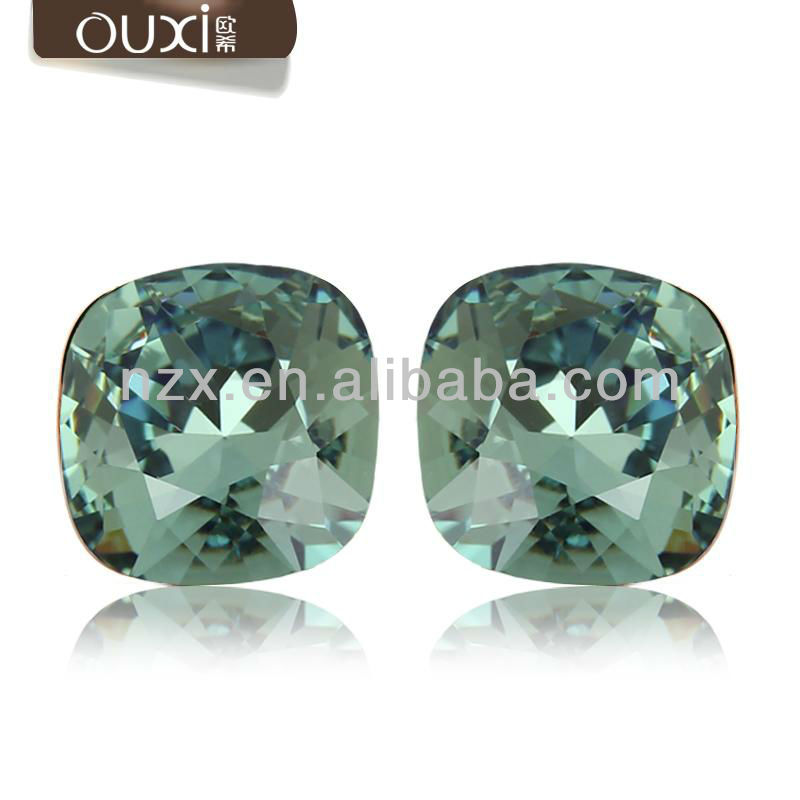 ouxi stylish platinum diamond stud earrings made with Austria crystal 20375