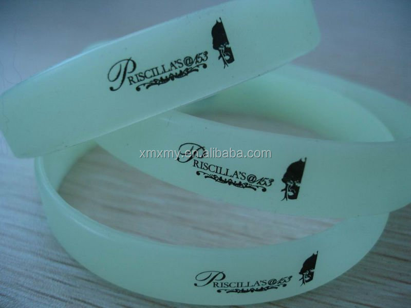Glow in The Dark Cool Silicone Bracelet/ Night light Wrist Band