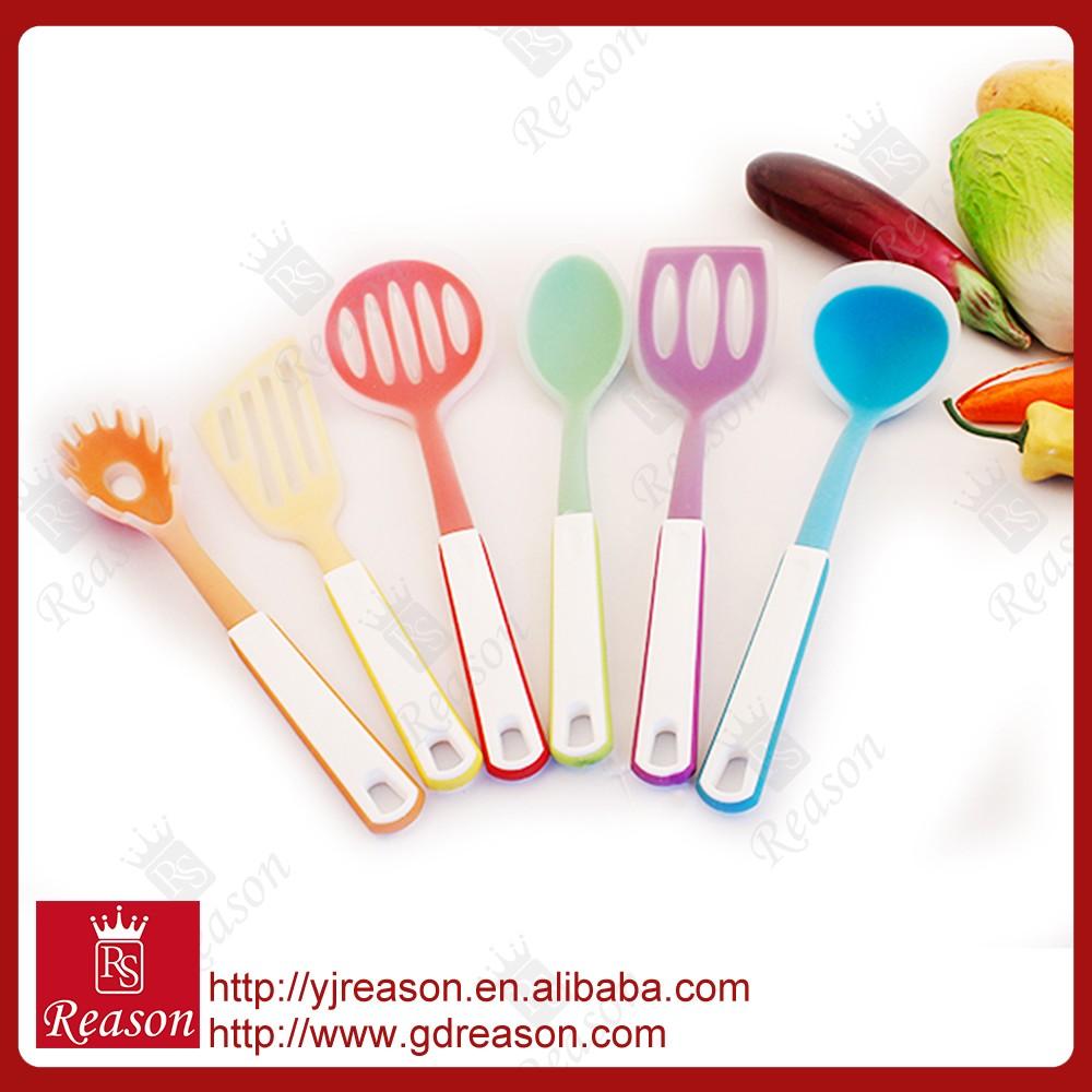 Colorida cocina comedor utensilios establecidos menaje set for Kitchen utensils in spanish