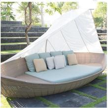 2017 Hot sale used rattan outdoor patio garden pool boat daybed furniture on sale