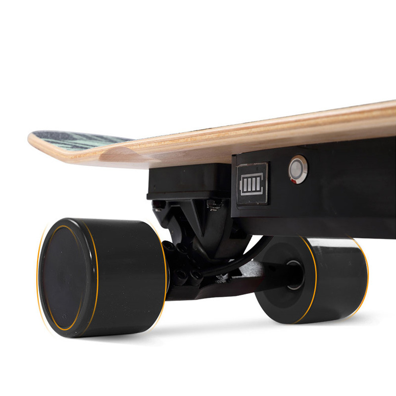 Electric skateboard with remote to control speed top speed 20km/h with rechargeable battery Seven layers of maple