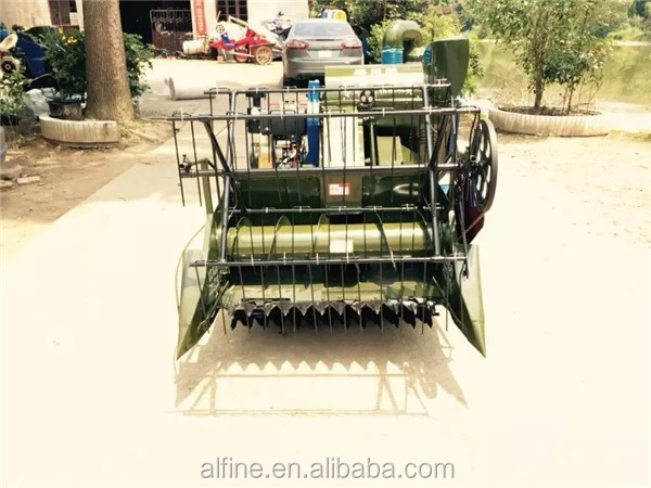 Min type factory price field machine in grain combine harvester