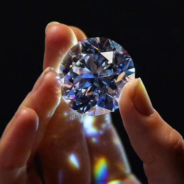 каких как выглядит бриллиант фото елисеевского