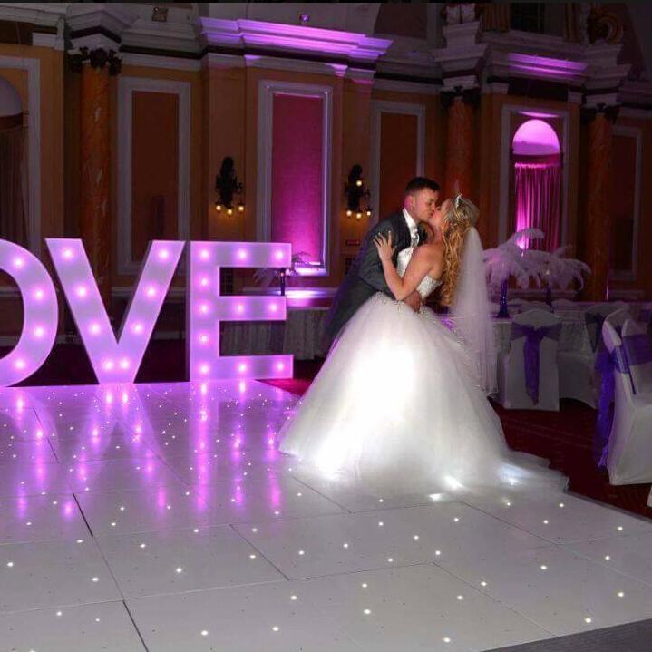 110-240V/50-60HZ Pure white 2.8cm acrylic 16*16ft wedding event led dance floor