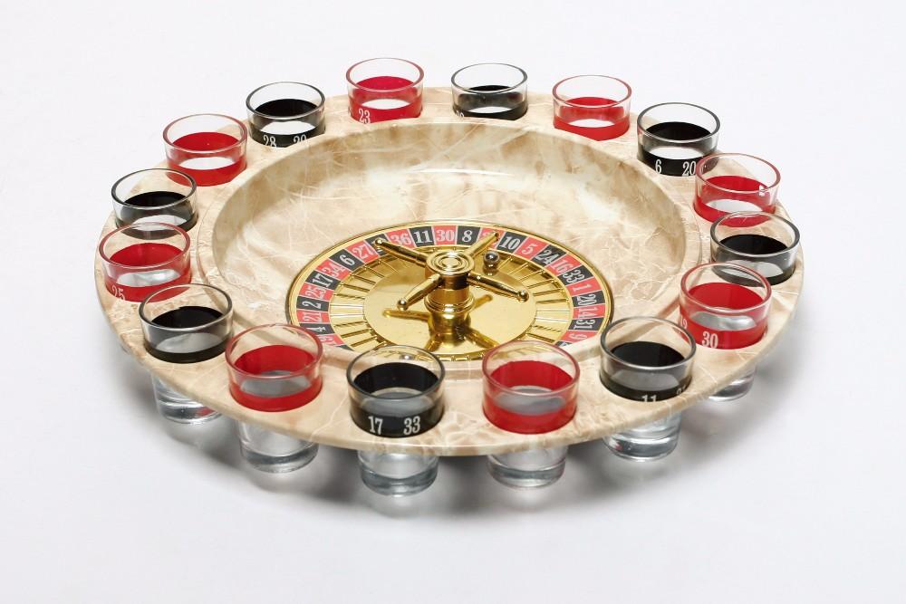 Roulette russa con bicchieri