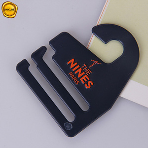 Silk printing plastic tie hanger with customized logo