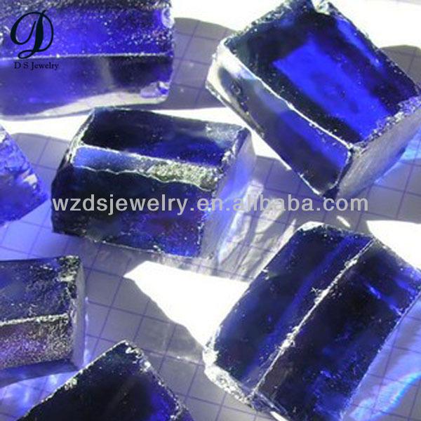 tanzanite bleu saphir pierre brute cz pierres pr cieuses brutes prix de gros image pierres. Black Bedroom Furniture Sets. Home Design Ideas