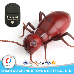 Low price infrared remote control small plastic ant toy