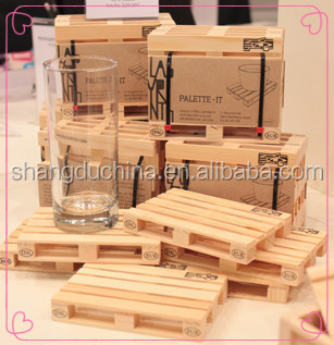 Fsc Customized Mini Euro Wooden Pallet Pine Wood Crafts With Logo Printing And Non Slip Mat