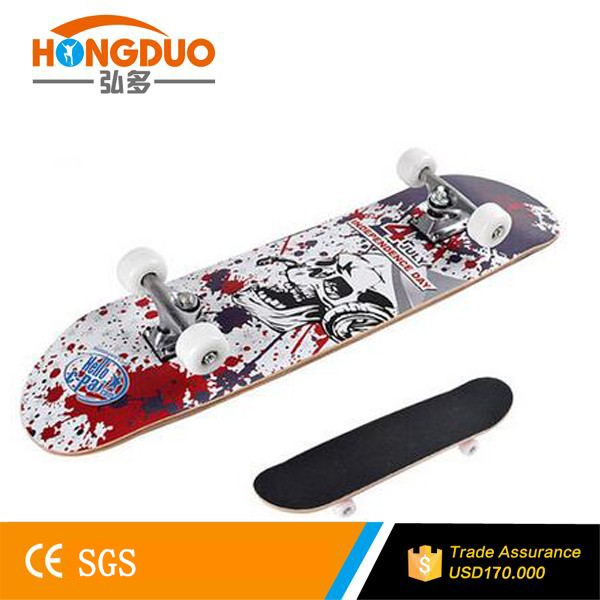 Hot Transfer Canadian Maple skateboard deck with four wheels
