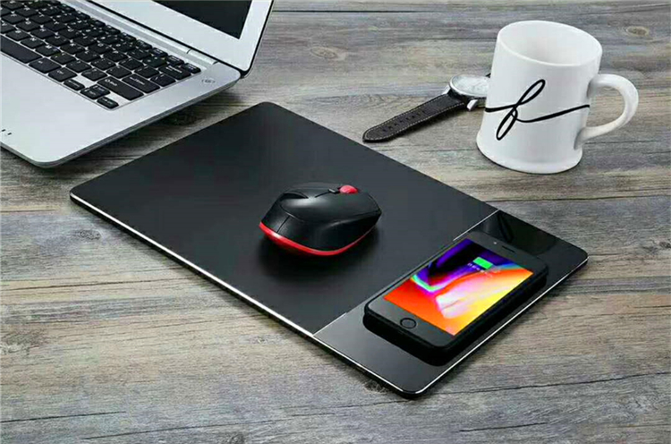 Newest Wholesale Qi Wireless Charger Mouse Pad Metal Material Wireless Charger