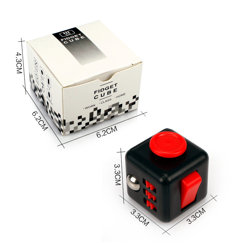 Wholesale 2.2cm Mini Fidget Cube Vinyl Desk Toy Keychain Squeeze Fun Antistress Cubo Stress Reliever Toys With Box