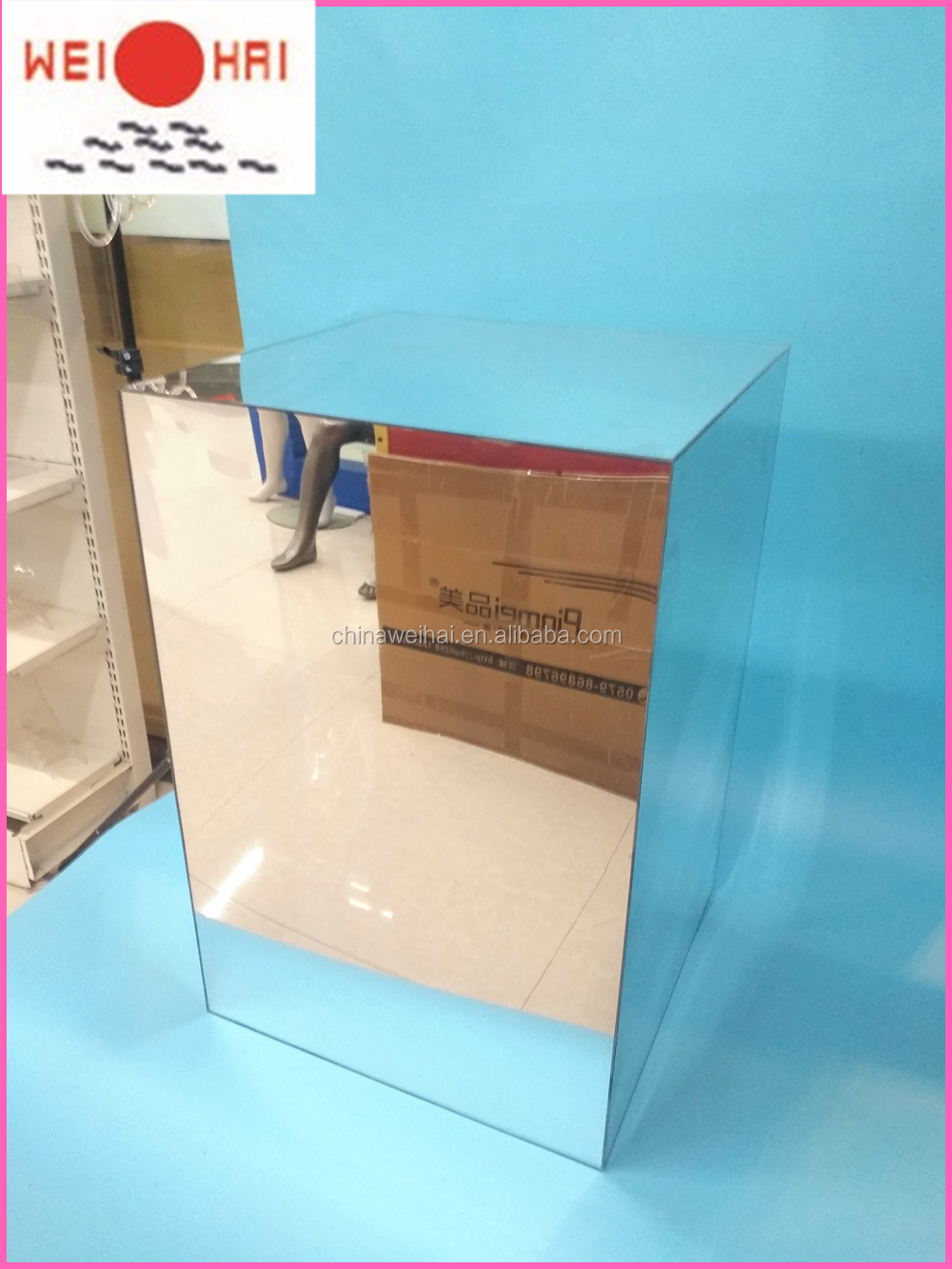 Big Mirror Acrylic Plinth
