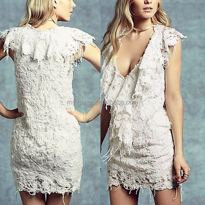 The lace shift dress with a plunging neckline features a combination of cloth and yarn party women dress