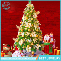 Factory Direct Popular Fashion Custom Made Decorated Christmas Tree