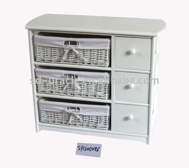 Armadietto di legno con i cestini del salice mobilia for Mobilia domestica