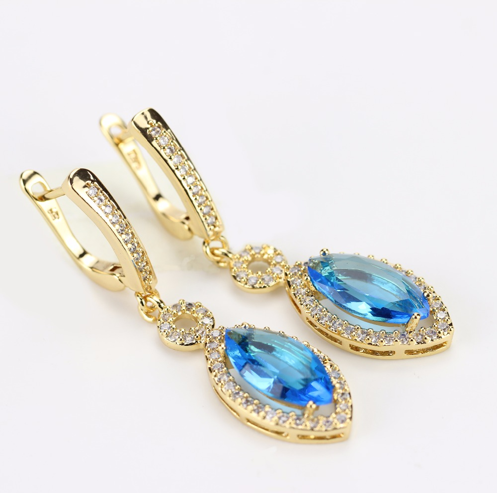 Lake Blue Color Crystal Pure Looking Simple Design Stone Saudi Gold Earrings