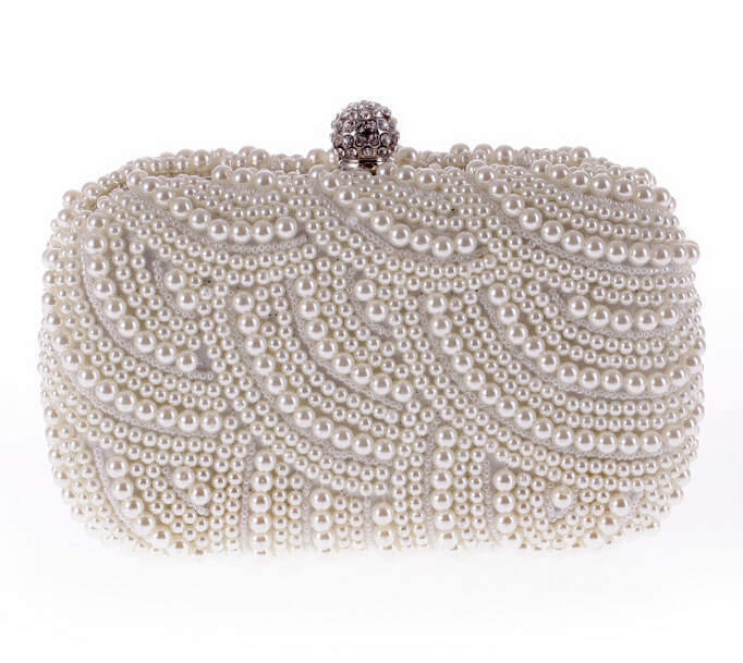 Резултат со слика за photos of  bride velur hand white bags